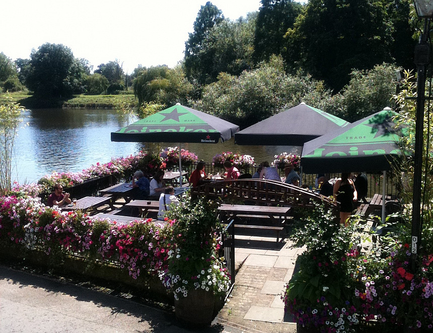 Pubs with beer gardens could reopen from 4 July