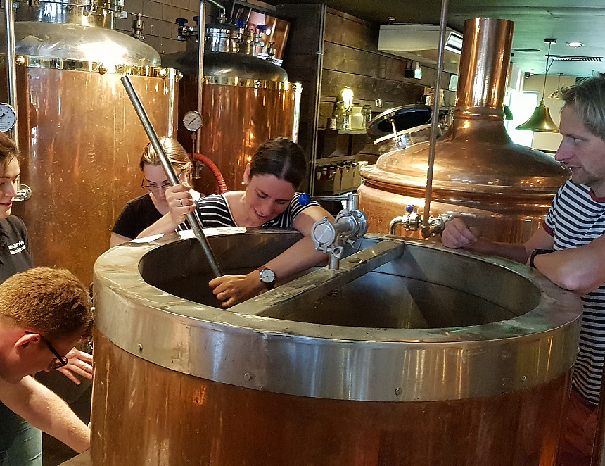 Young Members had a (s)mashing day brewing beer